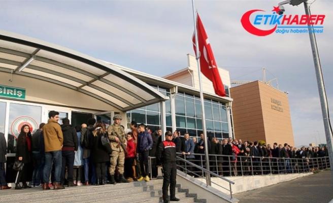 İstanbul Büyükşehir Belediyesi'ni işgal eden askerler hakim karşısında