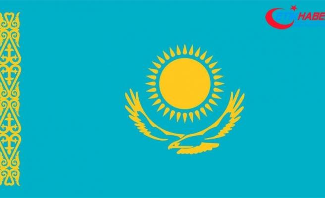 Kazakistan'da Latin alfabesinde gazete basıldı