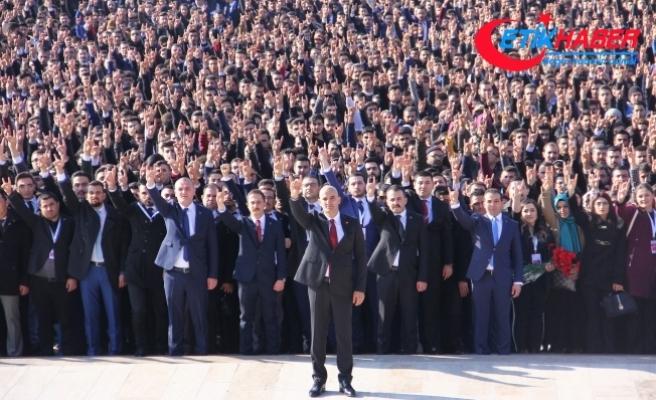 Kılavuz: 140 Bin Ülkücü Başbuğ Türkeş'in Kabri'nden Atatürk'ün Huzuruna Yürüdü