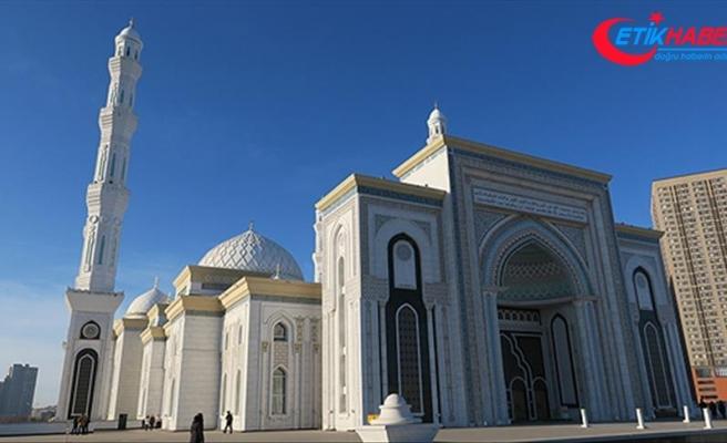 Orta Asya'nın ikinci büyük camisine turist ilgisi