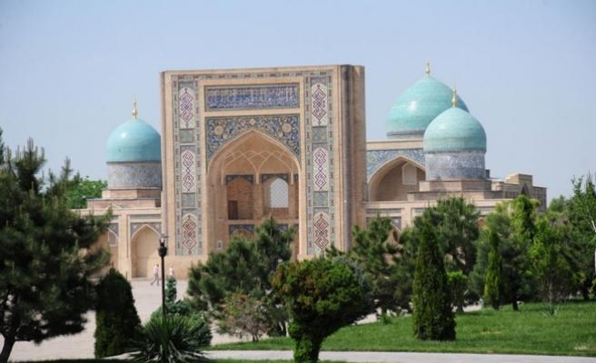 Özbekistan'da hoparlör ile ezan okunmaya başladı