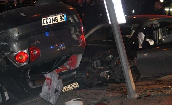 Seyir halindeki araca saldırı: 1 ölü, 5 yaralı