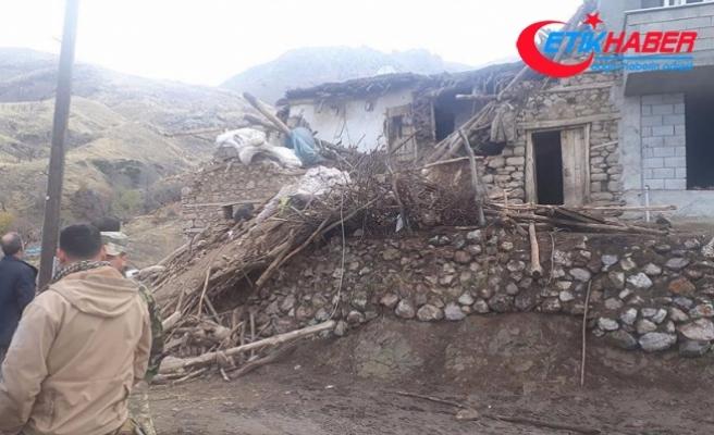 Siirt'te iki katlı kerpiç ev çöktü: 3 ölü, 5 yaralı