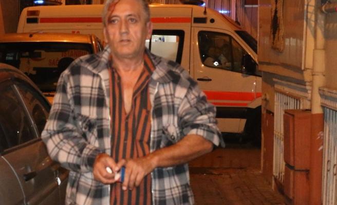 Taksici, boğuştuğu gaspçının kimliğini aldı