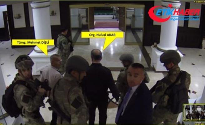 Türkkan, Genelkurmay Başkanı Akar'ın başına silah dayamış