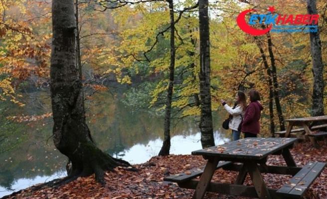 Yedigöller'de sonbahar güzelliği büyülüyor