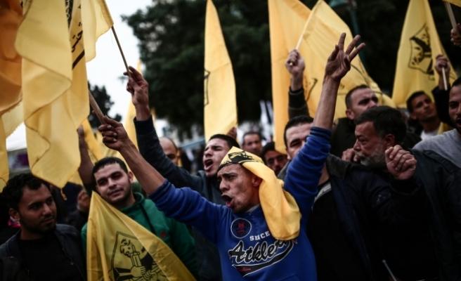 Filistinliler, ABD'nin vetosunu protesto etmek amacıyla Gazze'de yürüyüş düzenledi