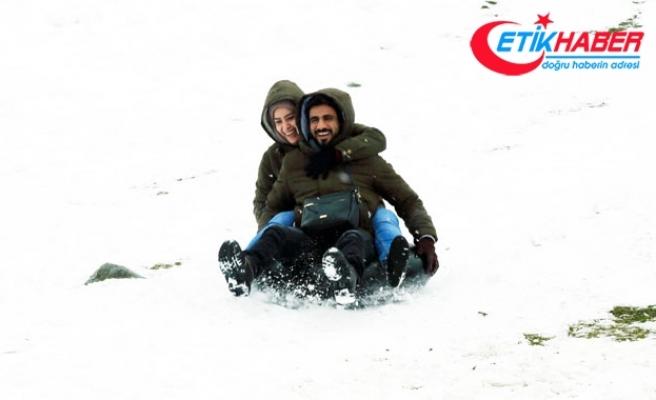 Ayder'e kar yağdı, kış eğlenceleri başladı
