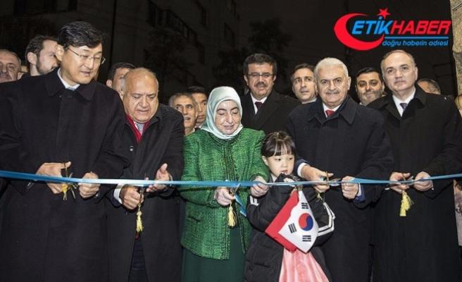 Başbakan Yıldırım büyükelçilik binasını 'Ayla' ile açtı