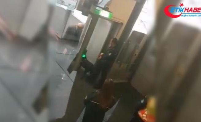 Düsseldorf havalimanında Türk yolculara köpekli arama