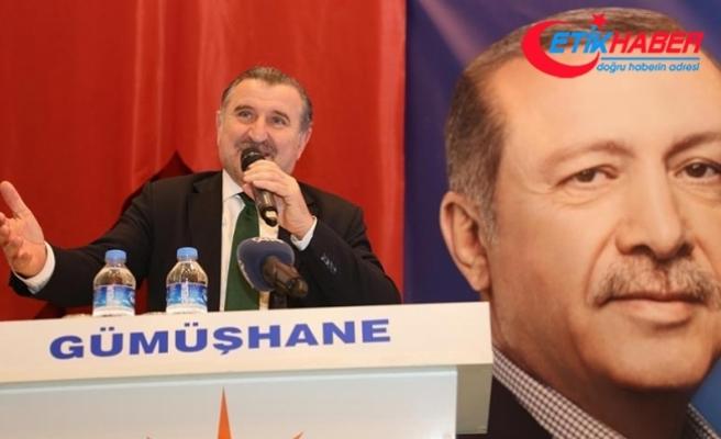 Gençlik ve Spor Bakanı Bak: Bu millet size ders veriyor, tokat atıyor