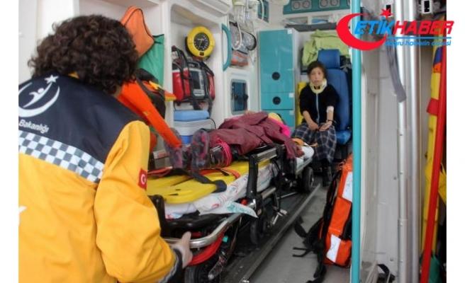 Karaman'da öğrenci servisi devrildi: 8'i öğrenci 9 yaralı