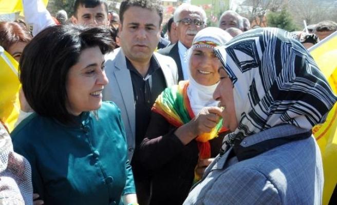 Leyla Zana'ya beraatin gerekçesi: Zor kullanılmadı ve polise direnmedi