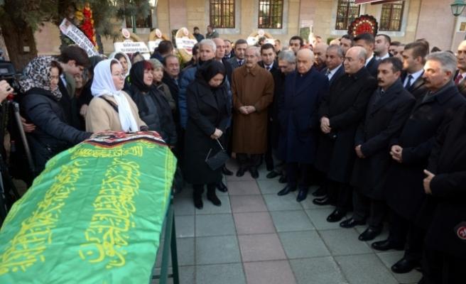 MHP'li Ruhsar Demirel'in annesi toprağa verildi