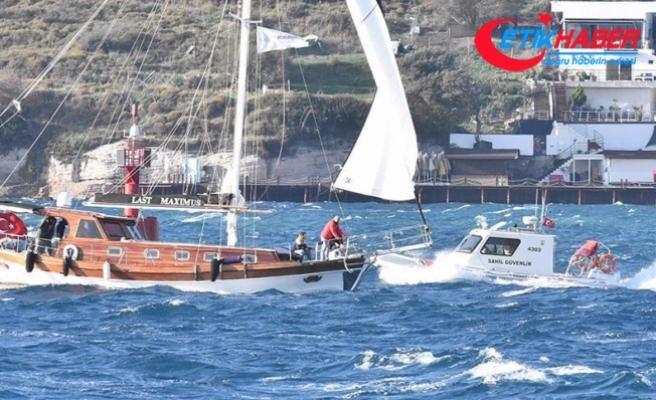 Muğla'da fırtınanın sürüklediği teknedeki 8 kişi kurtarıldı