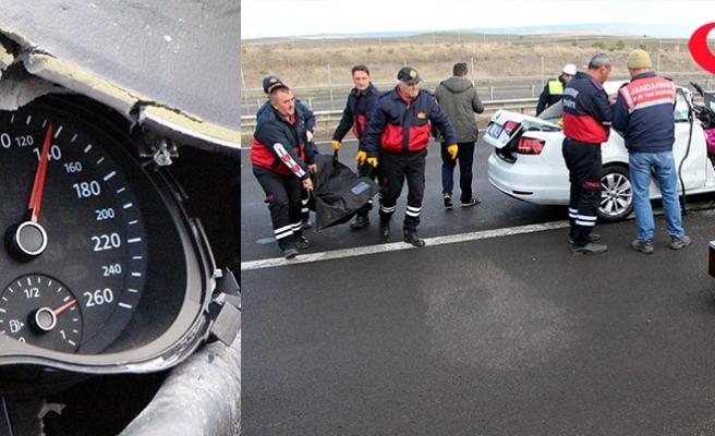 Ölümlü kazada otomobilin hız kadranı 130'da takılı kaldı