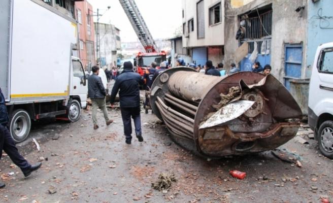 Tekstil yıkama atölyesinde buhar kazanı patladı: 2 yaralı