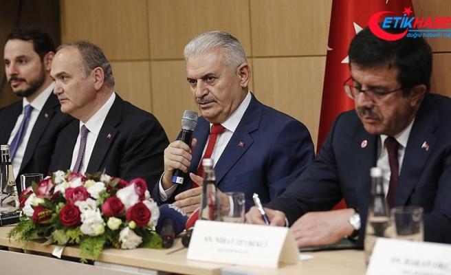 Yıldırım Güney Kore'de Türk vatandaşlarıyla bir araya geldi