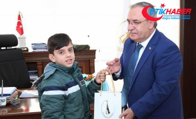 12 yaşındaki Yakup Mehmetçiğe harçlıklarını gönderdi