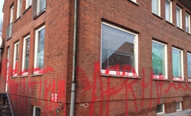 Almanya'da PYD/PKK yandaşlarının camilere saldırıları sürüyor