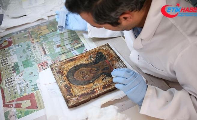 Ayasofya'nın tarihi ikonalarına konservasyon