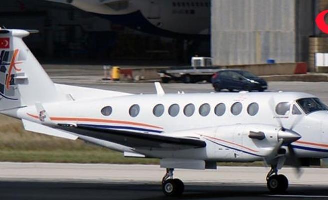 Bakan Özhaseki'nin uçağı Kocaeli Cengiz Topel Havalimanı'na acil iniş yaptı