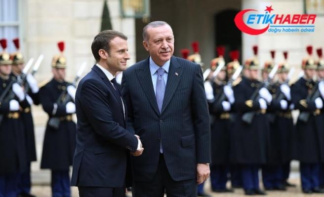 Cumhurbaşkanı Erdoğan Fransa'da resmi törenle karşılandı