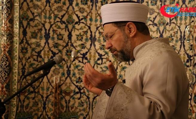 Erbaş, 'Zeytin Dalı' için vatandaşlarla dua etti