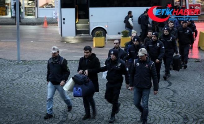 FETÖ'den gözaltına alınan muvazzaf 12 subay adliyede