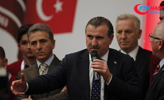 Gençlik ve Spor Bakanı Bak: Bu millete oyun kurmaya kalkanlar her zaman bu milletten tokadı yer