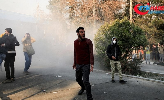 İranlı siyasetçiden göstericilere 'halkın gençleri' benzetmesi
