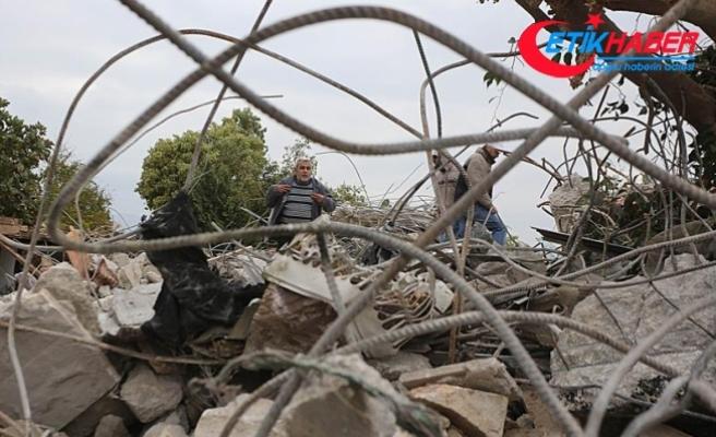 İsrail askerleri, Filistinlilerin evlerini yıktı