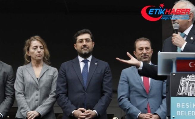 Kılıçdaroğlu, Beşiktaş Belediyesi'nin önünde konuştu
