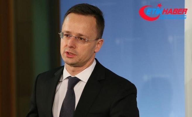 Macaristan ve Romanya arasında 'bayrak' krizi