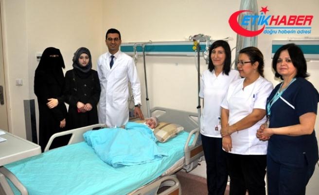 Osmaniye'de 14 aylık bebeğe kafa şekillendirme ameliyatı