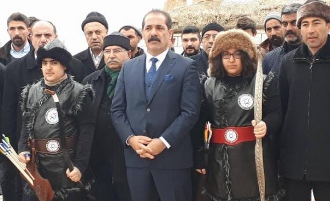Prof. Dr. Bilal Çoban: Menbiç kuşamasında şehit olan Balakgazi'nin intikamını alıp, dönün