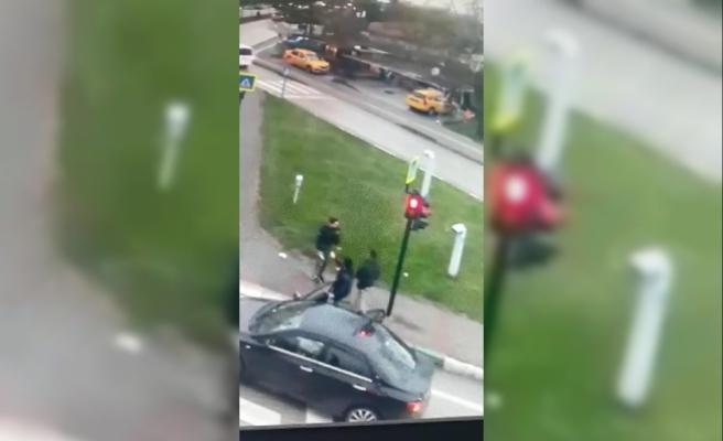 Sürücüyü yaralayıp kaçtı, düşürdüğü lahmacun poşetinden yakalandı