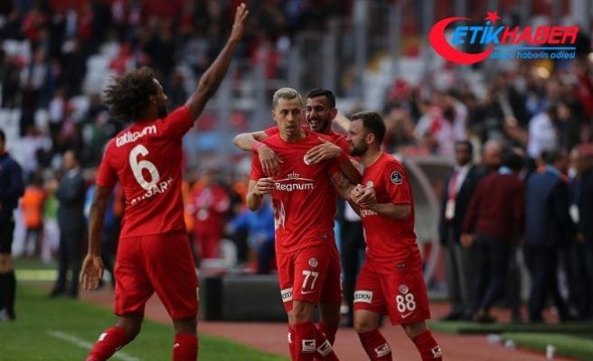Antalyaspor Kayserispor'u puansız gönderdi