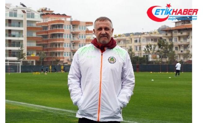 """Alanyaspor, Mesut Bakkal ile """"yola devam"""" dedi"""