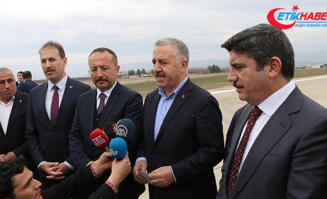 Bakan Arslan Siirt Havalimanı'nda incelemelerde bulundu