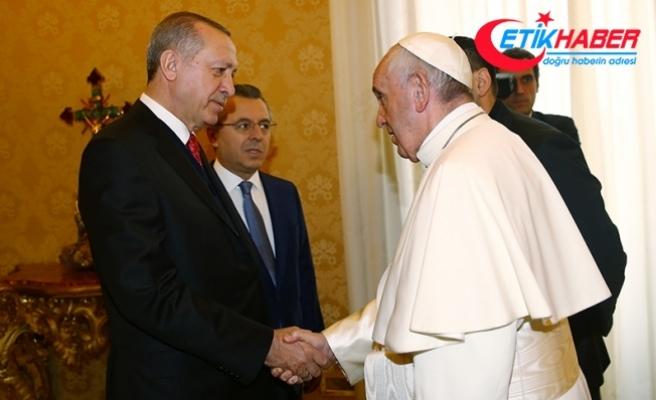 """Erdoğan-Papa görüşmesinde """"yabancı düşmanlığı ve İslamofobi ile ortak mücadeleye"""" değinildi"""