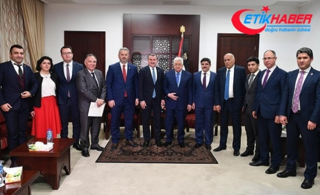 Gençlik ve Spor Bakanı Bak, Mahmud Abbas'la görüştü