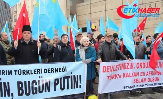 Rusya'nın İstanbul Başkonsolosluğu önünde siyah çelenkli protesto