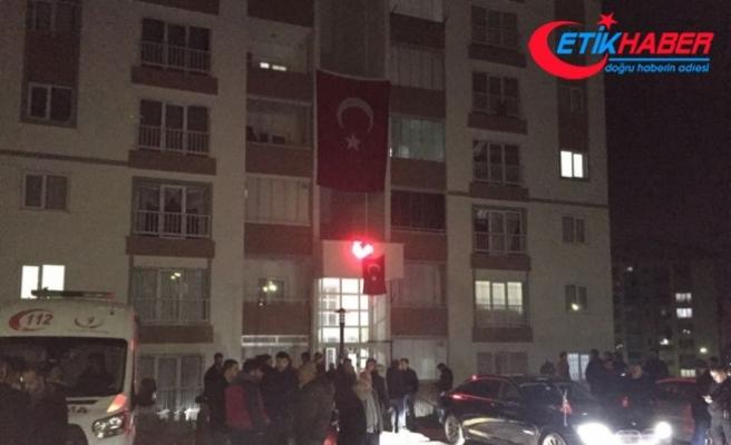 Şehit Tankçı Uzman Onbaşı Aygül'ün Çorum'daki ailesine şehadet haberi iletildi