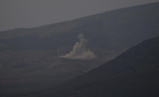 Şeyh Horoz bölgesinde terör örgütüne ait sığınak, barınak ve mevziler, tank ve top atışlarıyla vuruluyor