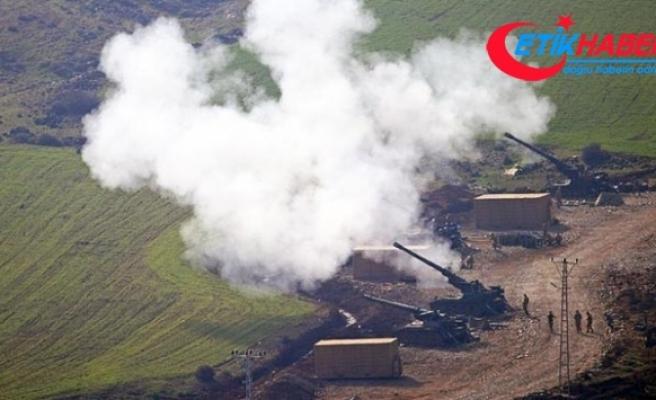 Afrin'in batısındaki terör mevzileri yoğun top atışına tutuluyor