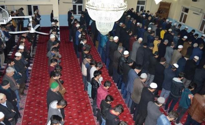 Diyanet İşleri Başkanı Erbaş, Hakkari'de Mehmetçiğe dua etti