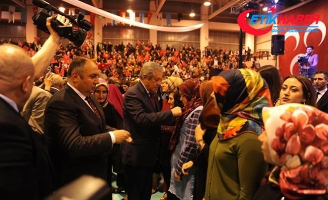 İstanbul'da 3815 kişi MHP'ye katıldı