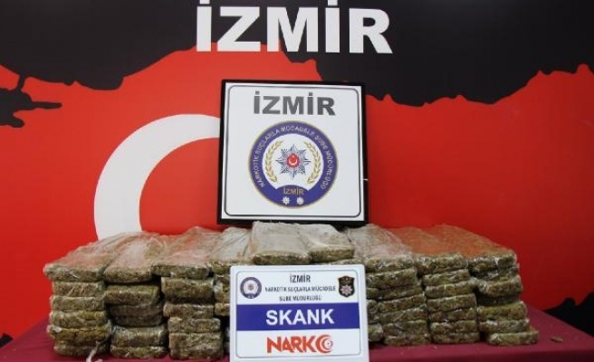 İzmir'de uyuşturucu ticaretine 22 tutuklama