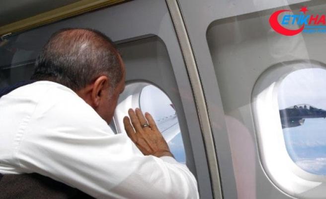 Jetler Adana Semalarında Erdoğan'ın Uçağına Yanaşıp Selam Verdi